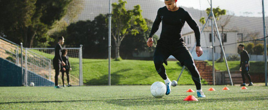 ¿Juegas soccer? No olvides prevenir lesiones.